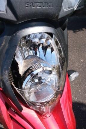ヘッドライト損傷