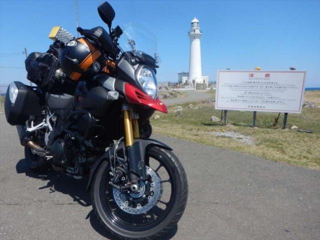 灯台とバイク