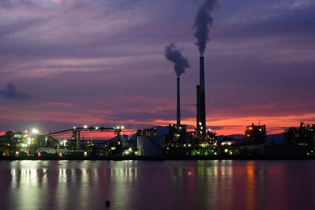 工場夜景-画像