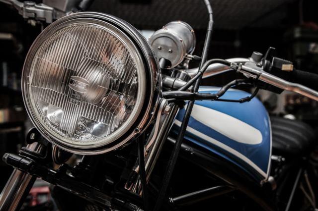 バイクのヘッドライト